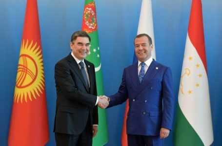 Узбекистан и Россия договорились довести товарооборот до 10 миллиардов долларов – Медведев