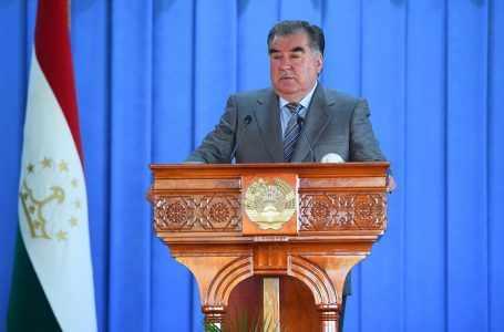"""151 млн сомони были растрачены при строительстве медицинского центра """"Istiqlol"""", говорит Рахмон"""