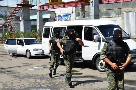 СГБ задержала на границе двух афганских наркокурьеров. У них найдено почти 45 кг наркотиков
