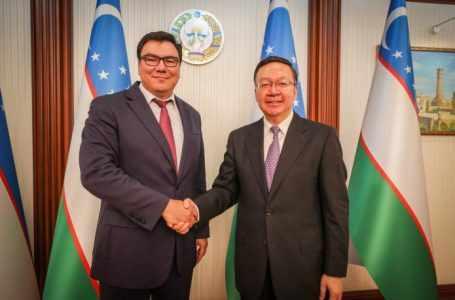 Вице-премьер Узбекистана провел переговоры с заместителем министра образования КНР