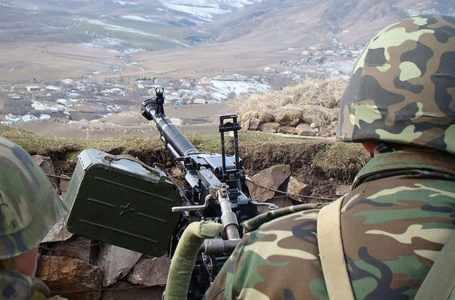 ВС Армении продолжают обстрел азербайджанских позиций