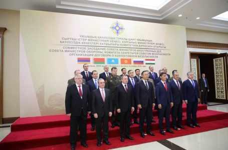 Председатели Минской группы ОБСЕ представят предложения по обмену заключенными