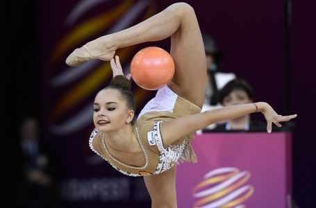 В Баку начинается третий день 35-го чемпионата Европы по художественной гимнастике