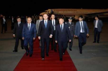 Президент Польши прибыл в Баку