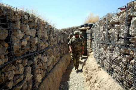 Министр обороны Азербайджана дал указание пресечь попытки противника совершить провокацию