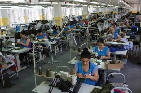 Азербайджанская текстильная фабрика наладит экспорт продукции в Россию и ОАЭ