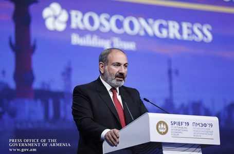 Пашинян ответил на вопросы азербайджанского репортера