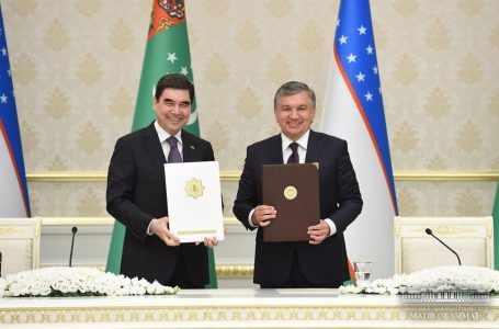Шавкат Мирзиёев и Гурбангулы Бердымухамедов обсудили вопросы укрепления многопланового партнерства между Узбекистаном и Туркменистаном