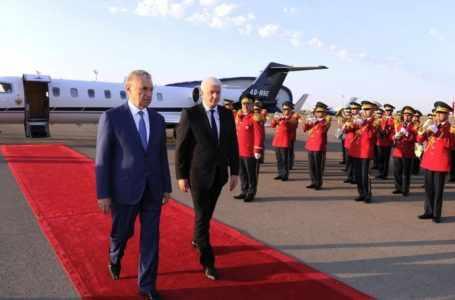 Премьер-министр Черногории начинает официальный визит в Азербайджан