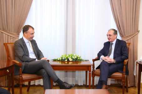 Глава МИД Армении провел встречу со спецпредставителем ЕС по Южному Кавказу и кризису в Грузии