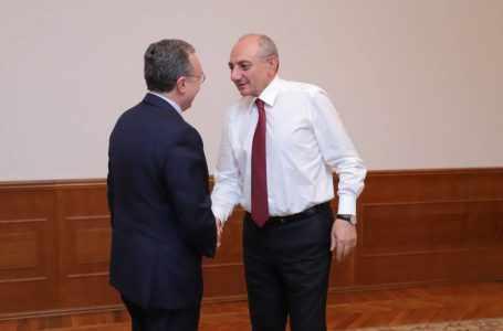 Президент Арцаха и глава МИД Армении обсудили мирный процесс в Карбахе