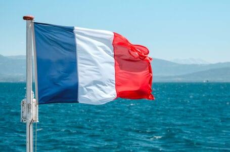 Министр иностранных дел принял посла Франции