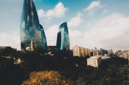 Жители Баку должны оставаться дома?