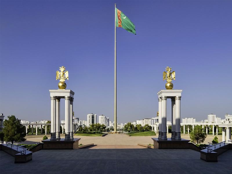 Президент Туркменистана и почтение алабая