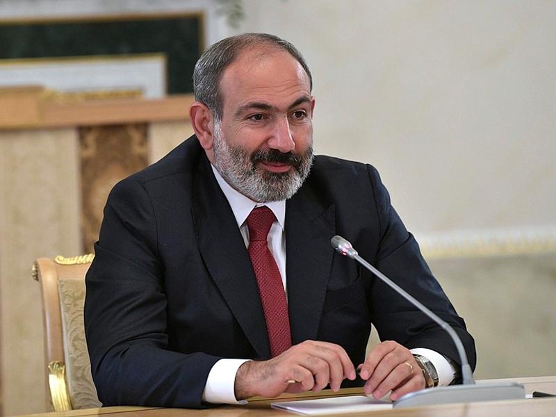 """Премьер-министр Армении находится под усиленным давлением после угрозы """"гражданской войны"""""""