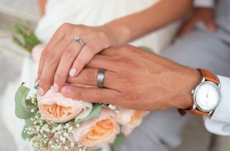 Бывший помощник президента устраивает свадьбу, несмотря на пандемию коронавируса