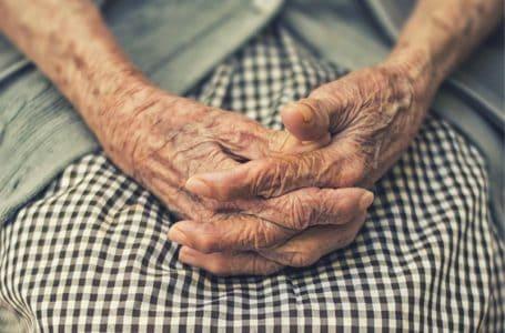 Кыргызстан: пожилые люди получают помощь из Швейцарии