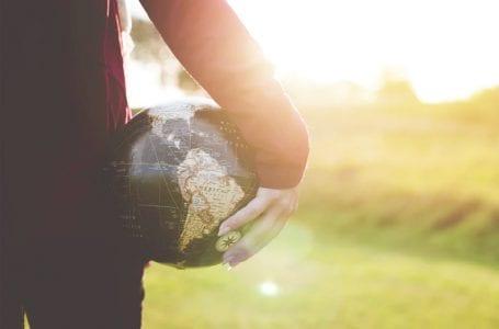 """Правительство не будет принимать решения о международном туризме в """"ближайшем будущем"""""""