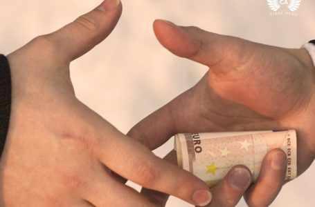 Узбекский активист обвинил власти в коррупции