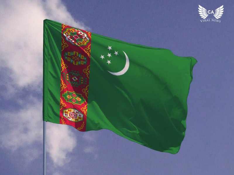 Жителей Туркменистана обязали приобретать портреты президента