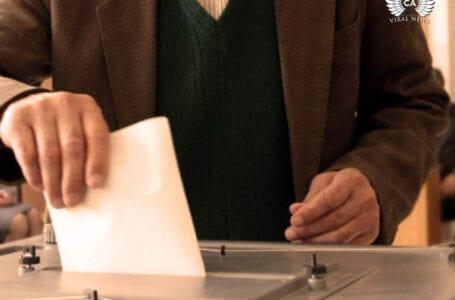 Местные политики Кыргызстана продолжают обещать, а избиратели не особо верят предвыборной агитации