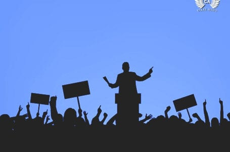 Работники службы доставки в Казахстане устроили митинг
