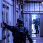Заключенные калечат себя в знак протеста